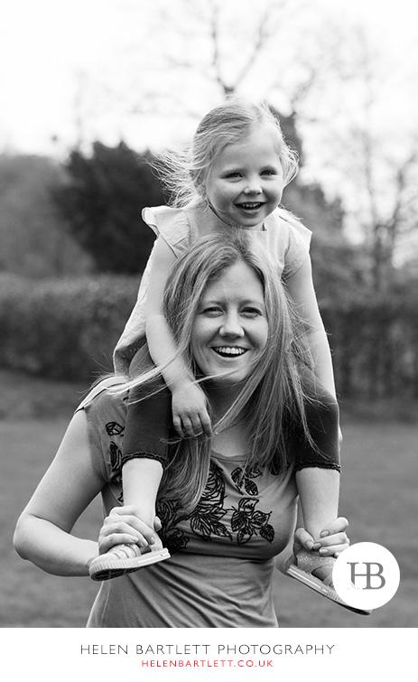 blogImageweybridge-childrens-family-photography-surrey-kt13-28