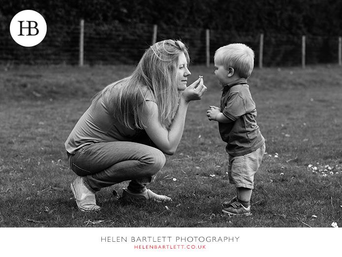 blogImageweybridge-childrens-family-photography-surrey-kt13-30