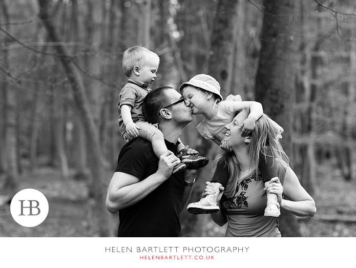 blogImageweybridge-family-photographer-surrey-kt13-11