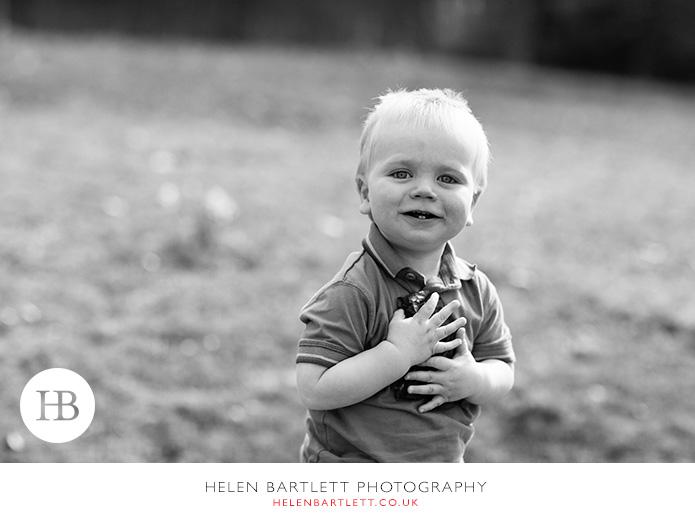 blogImageweybridge-family-photographer-surrey-kt13-6