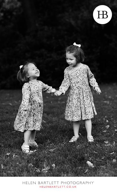 blogImagenotting-hill-ladbrooke-square-family-photographer-14
