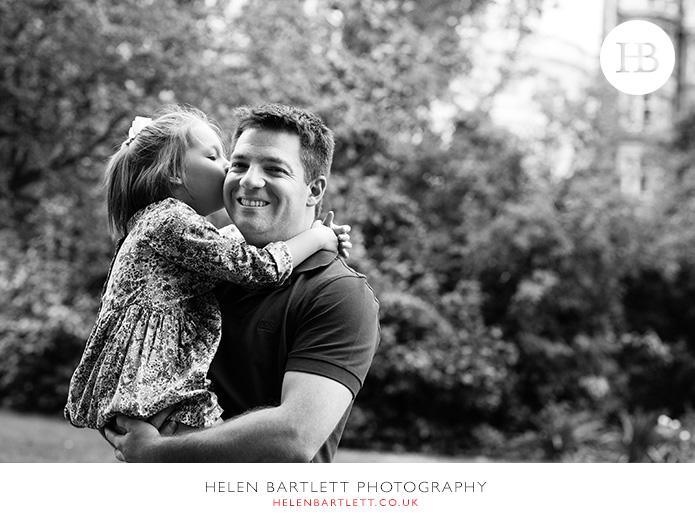 blogImagenotting-hill-ladbrooke-square-family-photographer-17