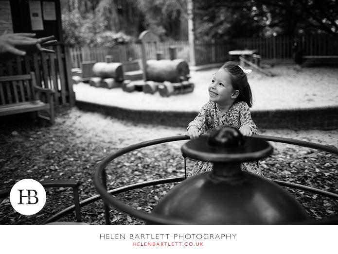 blogImagenotting-hill-ladbrooke-square-family-photographer-5