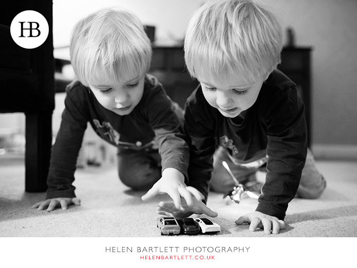 blogImagetwins-photographer-family-oxford-2