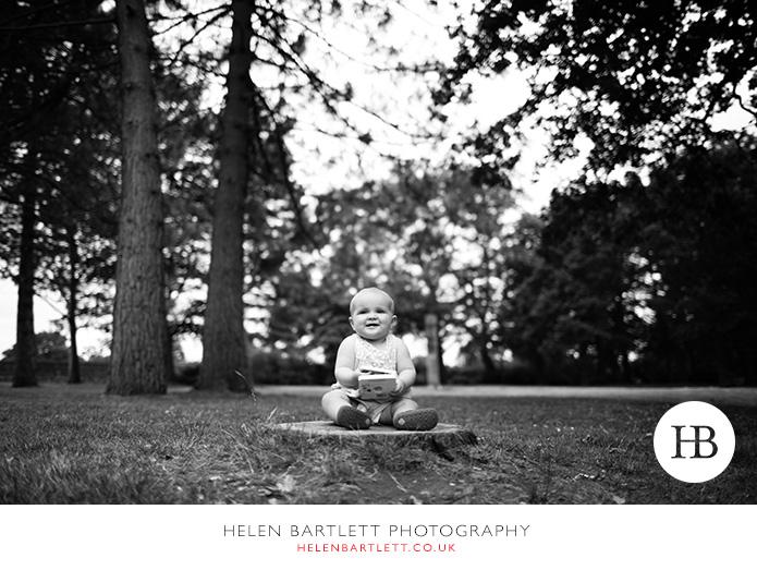 blogImagebaby-family-photographer-twickenham-bushy-park-21