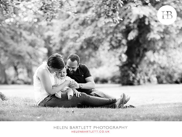 blogImagebaby-family-photographer-twickenham-bushy-park-24