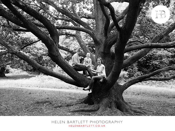 blogImageenvironmental-portrait-tree-hampstead-children-28