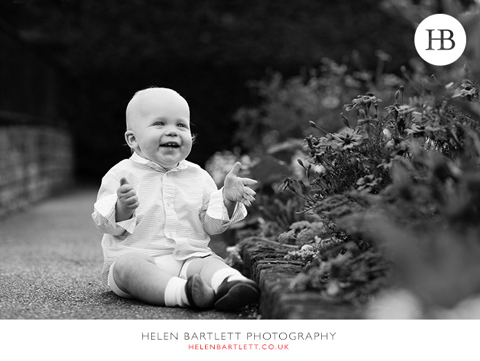 blogImagebaby-photography-in-holland-park-w11-10