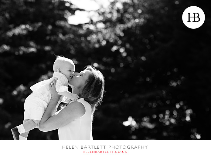 blogImagebaby-photography-in-holland-park-w11-15