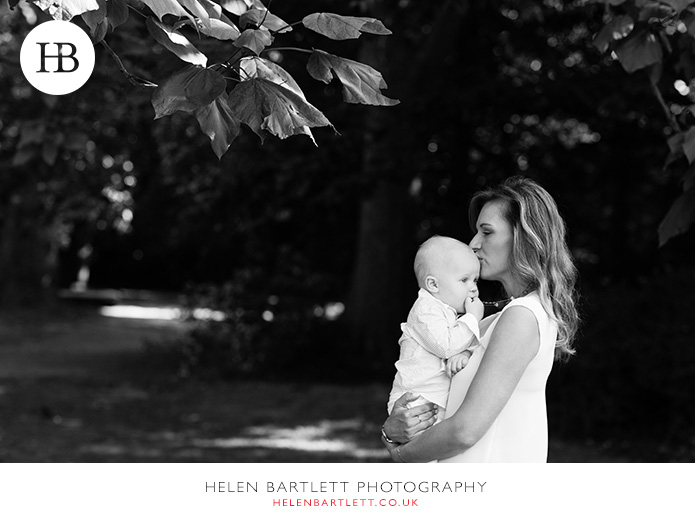 blogImagebaby-photography-in-holland-park-w11-5