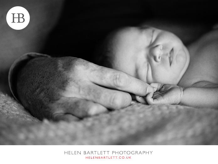 blogImagefamily-toddler-and-newborn-photographer-surrey-21