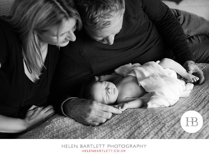 blogImagefamily-toddler-and-newborn-photographer-surrey-24