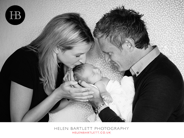 blogImagefamily-toddler-and-newborn-photographer-surrey-32