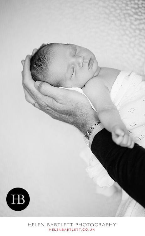blogImagefamily-toddler-and-newborn-photographer-surrey-33