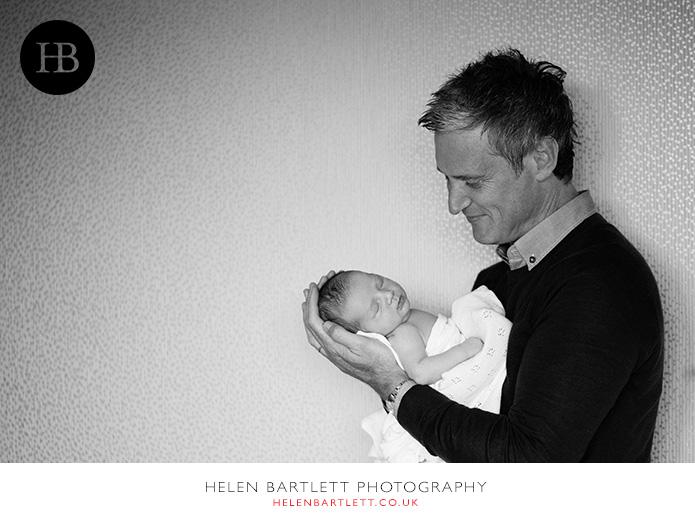 blogImagefamily-toddler-and-newborn-photographer-surrey-34
