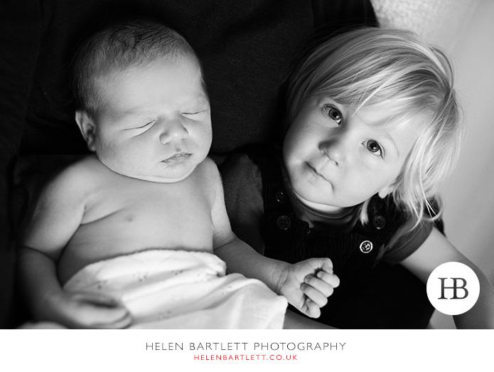 blogImagefamily-toddler-and-newborn-photographer-surrey-36