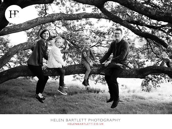blogImagefamily-photography-on-hampstead-heath-london-14