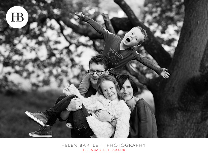 blogImagefamily-photography-on-hampstead-heath-london-15