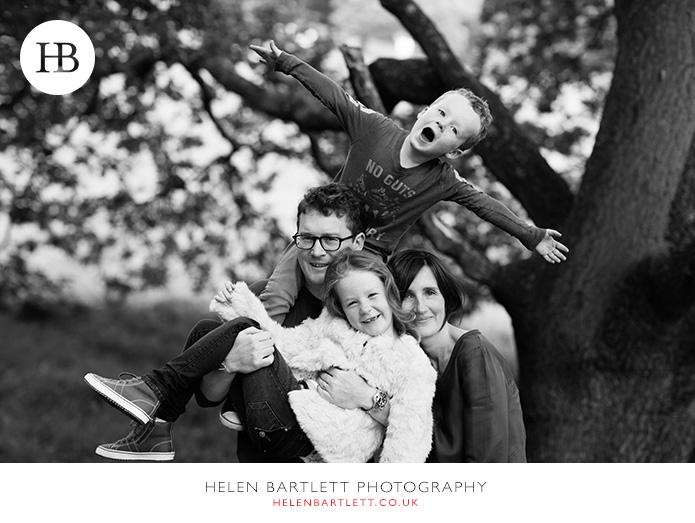 blogImagefamily-photography-on-hampstead-heath-london-15