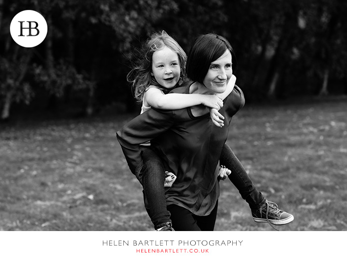 blogImagefamily-photography-on-hampstead-heath-london-22