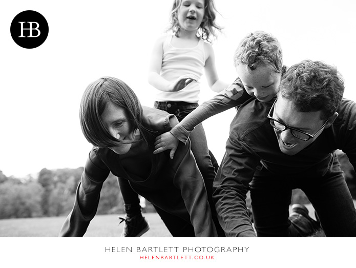 blogImagefamily-photography-on-hampstead-heath-london-23