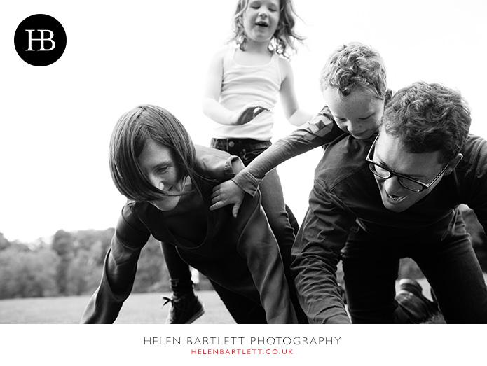 blogImagefamily-photography-on-hampstead-heath-london-23