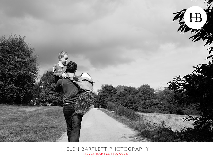 blogImagefamily-photography-on-hampstead-heath-london-26