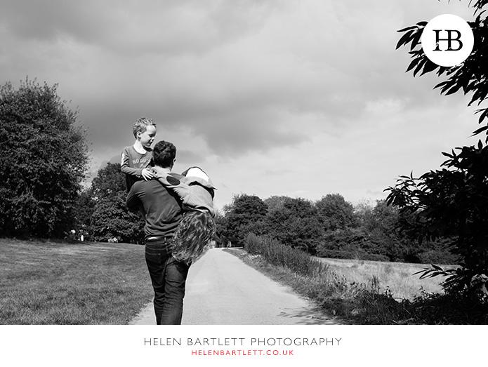 blogImagefamily-photography-on-hampstead-heath-london-26