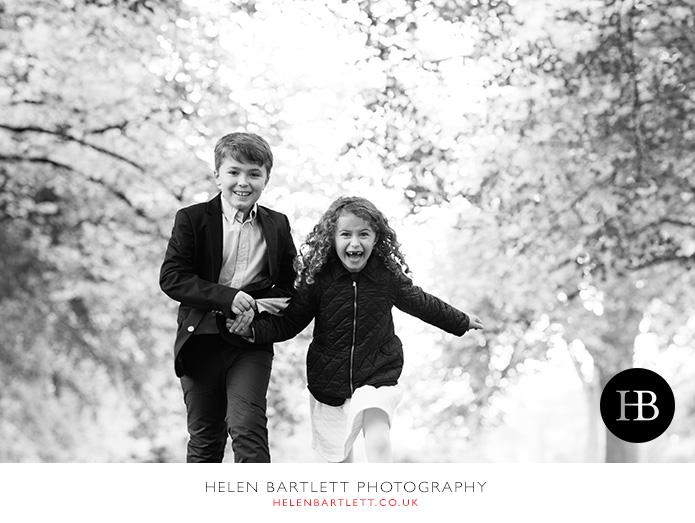 blogImagefun-natural-photographs-children-family-kensington-26