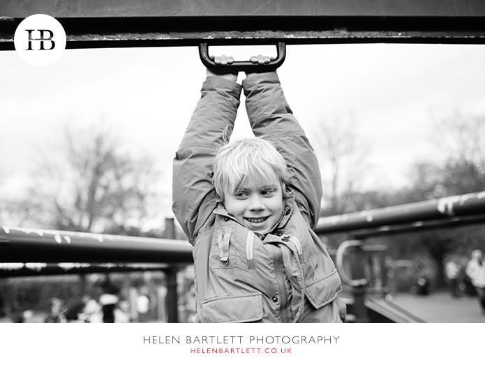 blogImagefamily-photography-primrose-hill-regents-park-london-23