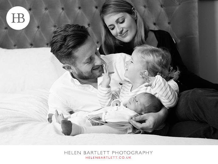 blogImagerelaxed-natural-newborn-family-photos-bayswater-w2-11