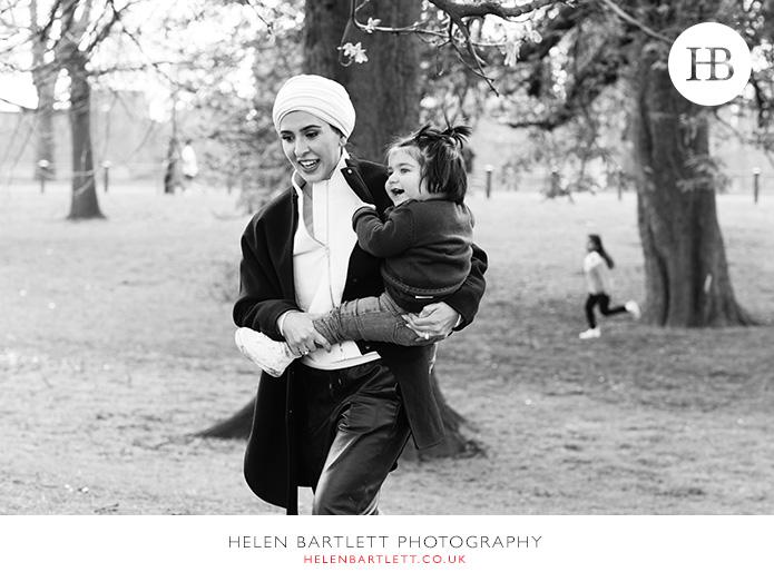 blogImagelondon-top-family-photographer-knightsbridge-34