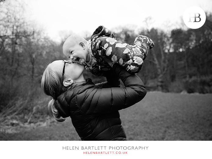blogImagefamily-baby-photo-shoot-documentary-activity-30