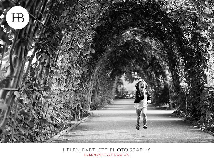 blogImagefamily-photo-shoot-kensington-london-top-photographer-24
