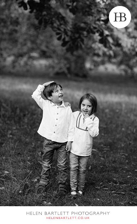 blogImagefun-filled-activity-family-photo-shoot-kensington-london-1