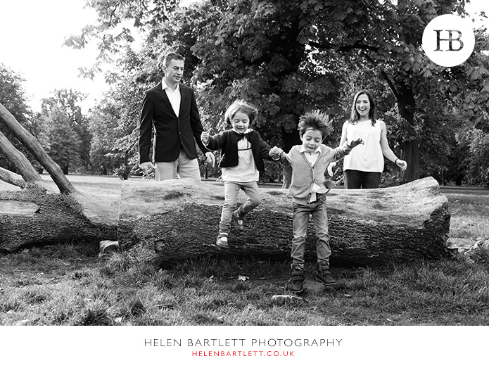 blogImagefun-filled-activity-family-photo-shoot-kensington-london-11
