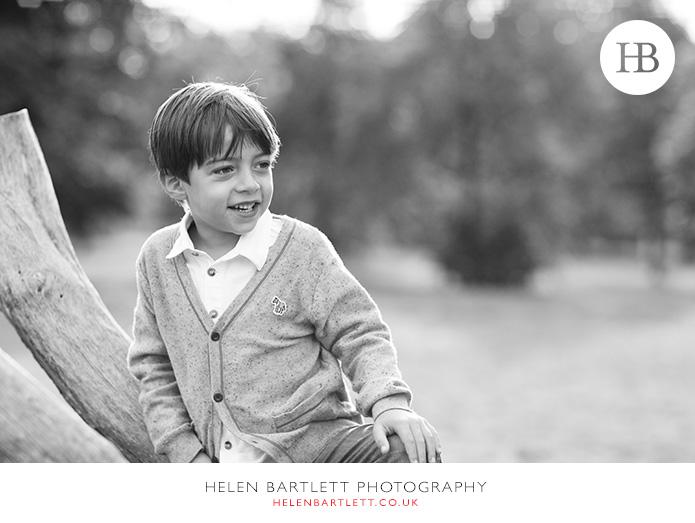 blogImagefun-filled-activity-family-photo-shoot-kensington-london-12