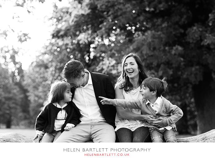 blogImagefun-filled-activity-family-photo-shoot-kensington-london-16
