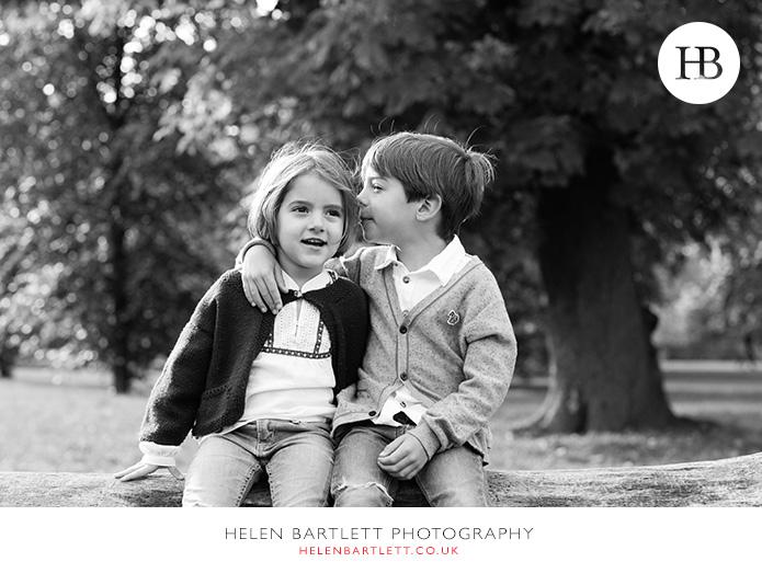 blogImagefun-filled-activity-family-photo-shoot-kensington-london-17