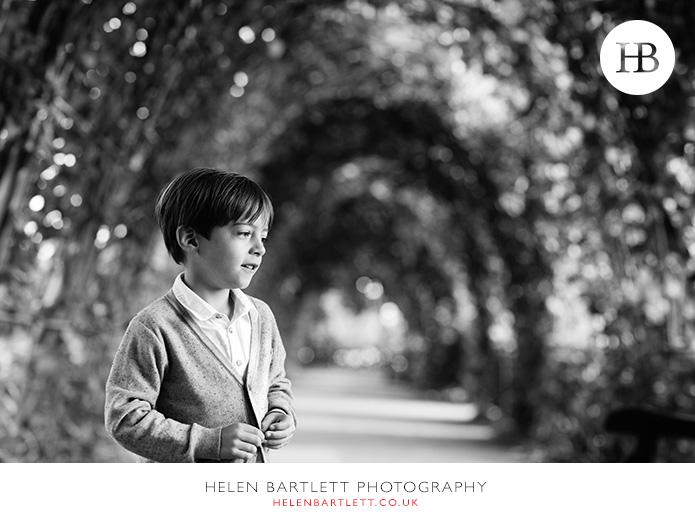 blogImagefun-filled-activity-family-photo-shoot-kensington-london-20