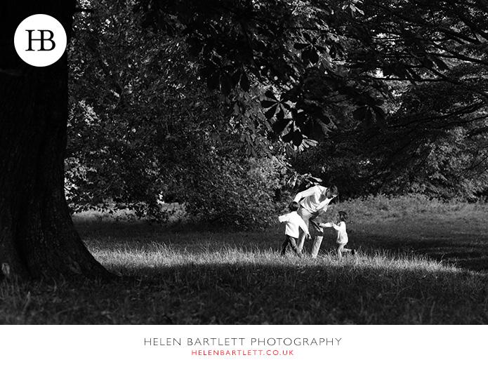 blogImagefun-filled-activity-family-photo-shoot-kensington-london-3