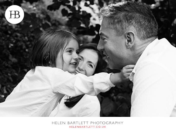 blogImagefun-filled-activity-family-photo-shoot-kensington-london-7