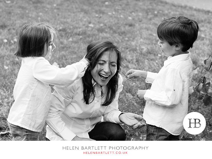 blogImagefun-filled-activity-family-photo-shoot-kensington-london-8