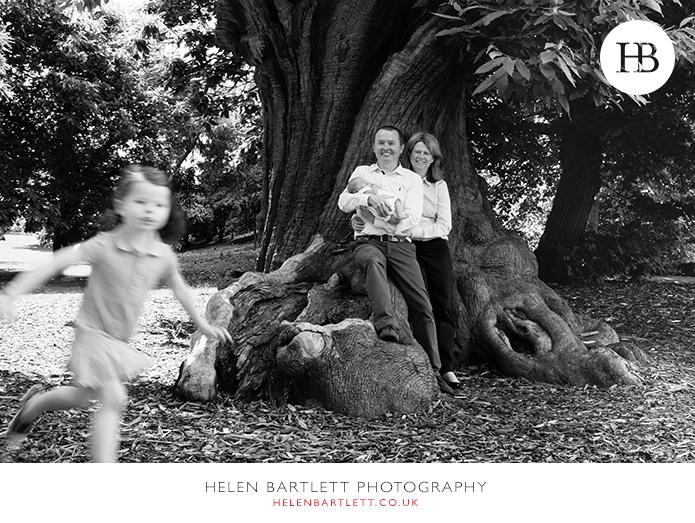 blogImagenewborn-family-photography-greenwich-outdoors-1