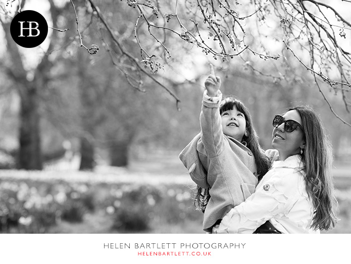 blogImagefamily-photography-picadilly-london-19