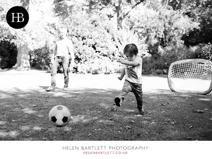 blogImagefamily-photographer-kensington-w14-water-fun-superhero-24