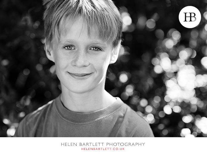 blogImagefamily-photographer-kensington-w14-water-fun-superhero-26