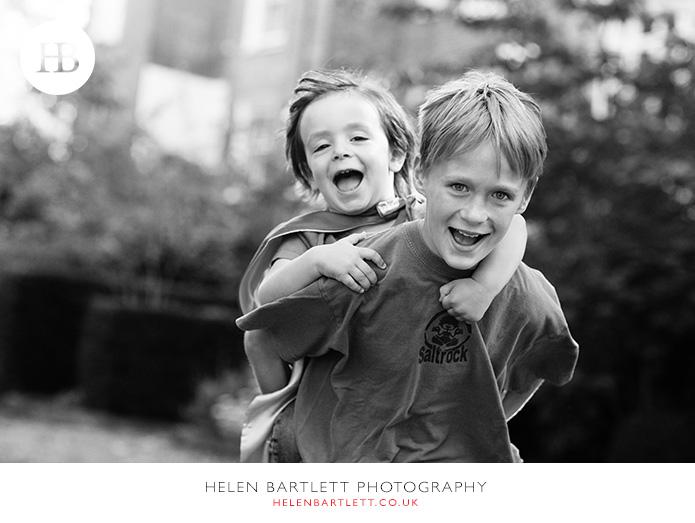 blogImagefamily-photography-kensington-w14-teenagers-fun-9