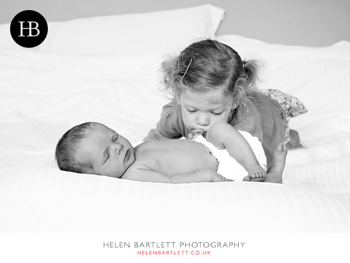 blogImagestroud-green-newborn-family-photography-31