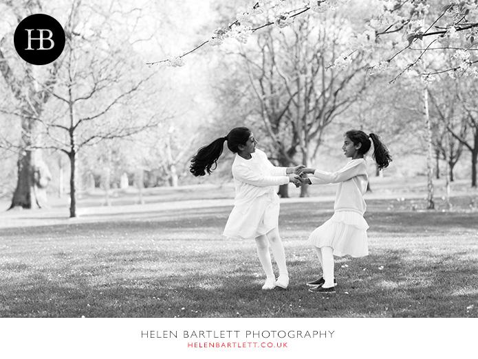 blogImagefamily-photography-st-james-park-london-1